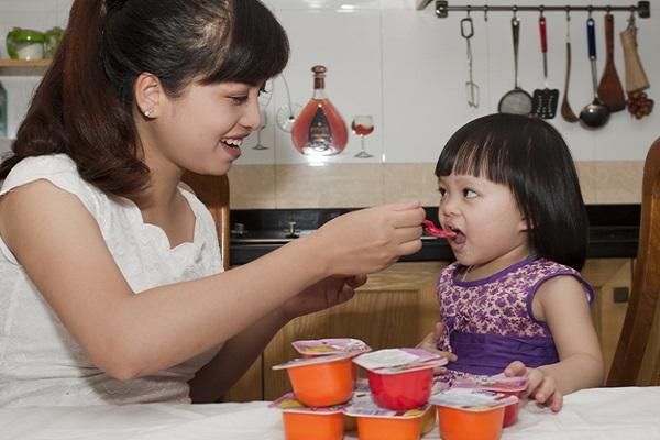 kidsonline-chế độ dinh dưỡng cho trẻ mầm non3