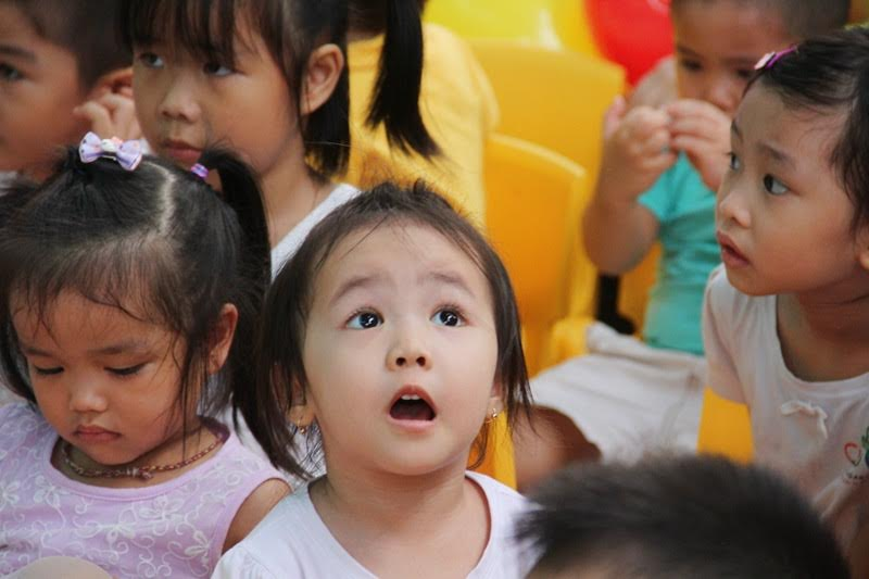 kidsonline-10-chuyen-nguoc-doi-trong-cach-day-con-o-viet-nam