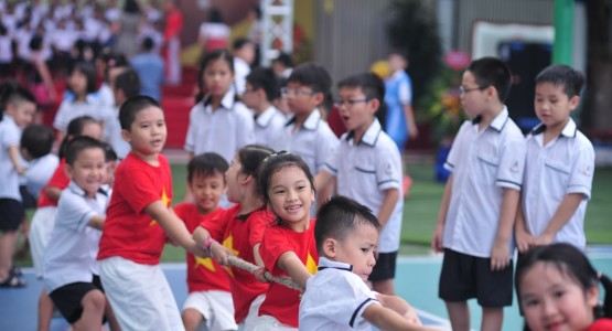 kidsonline-10-chuyen-nguoc-doi-trong-cach-day-con-o-viet-nam2