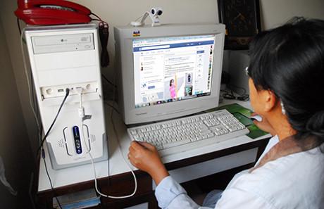 Kidsonline-dang-anh-con-len-facebook