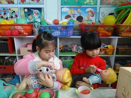 Biện pháp hỗ trợ thầy cô trong việc giáo dục kỹ năng tự phục cho trẻ mầm non 3