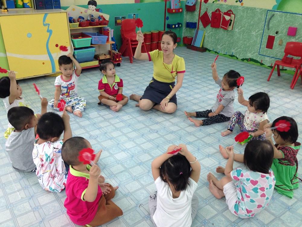 Giáo án mầm non chuyên đề giúp bé nhận biết phân biệt màu sắc