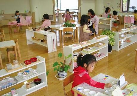 Phương pháp Montessori có gì khác biệt với giáo dục truyền thống