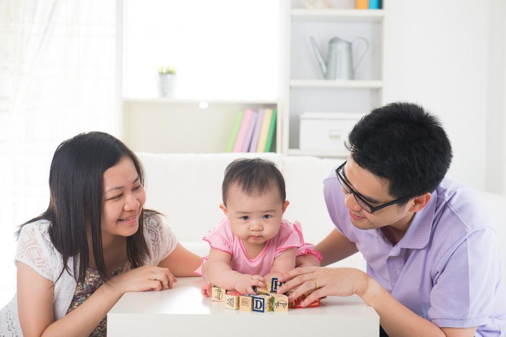 Tại sao cần cho trẻ hoạt động với đồ vật thường xuyên 01