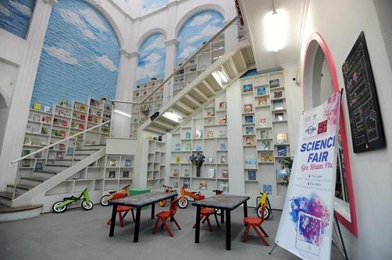 kidsonline-Top 8 địa điểm vui chơi dành cho bé hàng đầu ở Hà Nội-Quảng trường sách Hà Nội