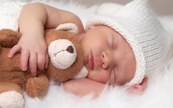 Chia sẻ kinh nghiệm chăm sóc trẻ sơ sinh trong mùa hè 01