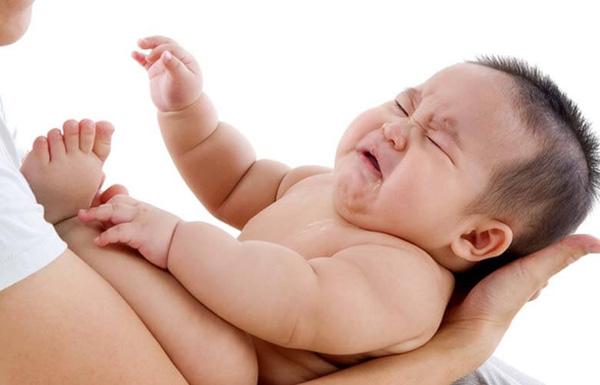 Giấc ngủ của trẻ sơ sinh và những lầm tưởng của bố mẹ 02