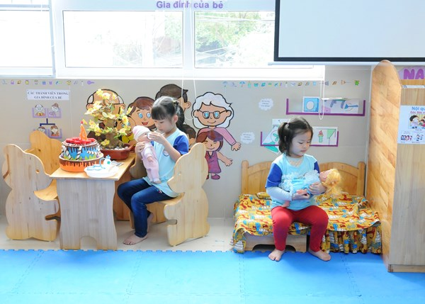 Những trò chơi đóng vai theo chỉ đề giúp trẻ kỹ năng làm việc nhóm cho trẻ 01