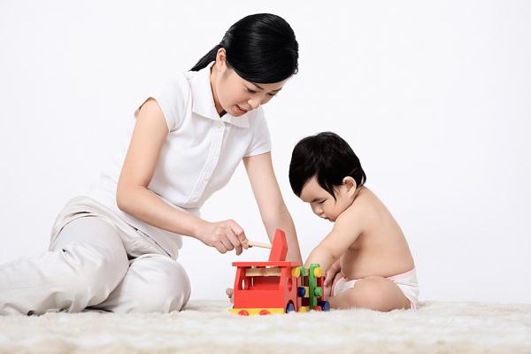 Chia sẻ bố mẹ bí quyết chơi cùng con 01