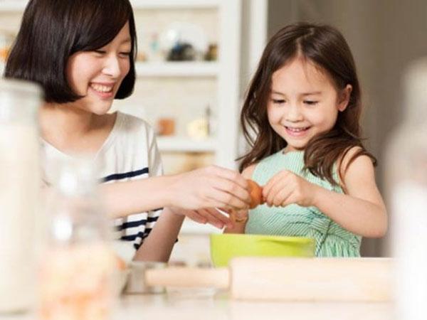Kinh nghiệm nuôi dạy con giúp trẻ ngoan ngoãn và nghe lời bố mẹ2