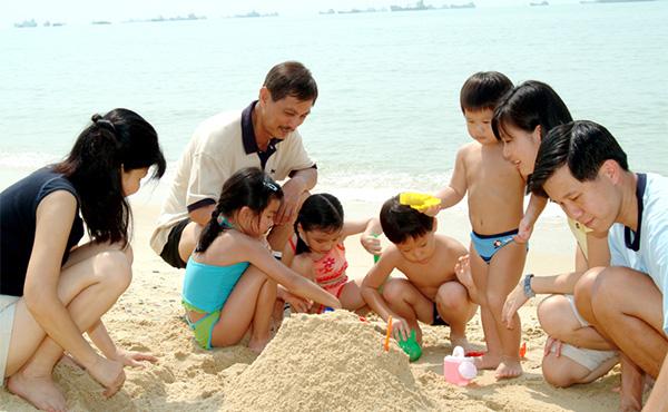 Hè này gửi con ở đâu -Tổ chức cho trẻ đi du lịch cùng gia đình
