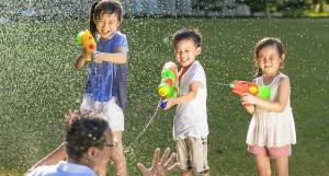 Súng đồ chơi - trò chơi cho trẻ tưởng không hại mà hại không tưởng 2