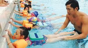 5 ý tưởng tuyệt vời cho trẻ một kỳ nghỉ hè thú vị - cho trẻ học bơi