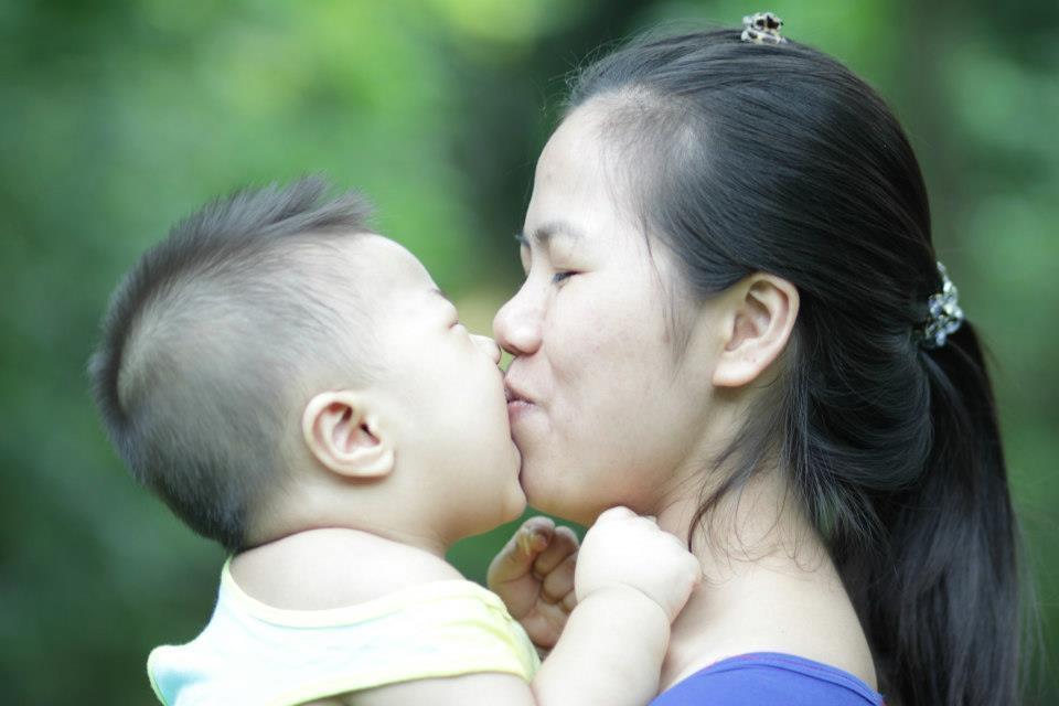 Tuyệt đối đừng bao giờ hôn môi trẻ cho đến khi bạn đọc xong bài viết này